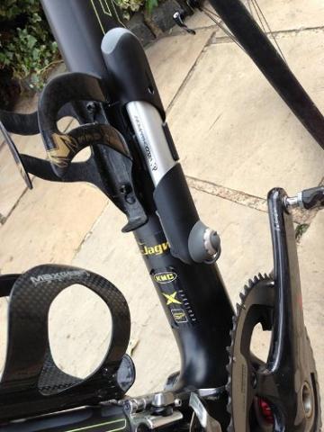 VeloChampion Alloy 7 Mini-Fahrradpumpe aus Aluminium, Silber/Schwarz - Mini Bike Pump - 4